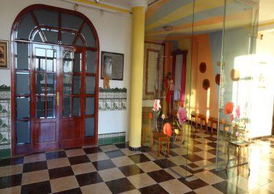 Hall de Entrada y Capilla