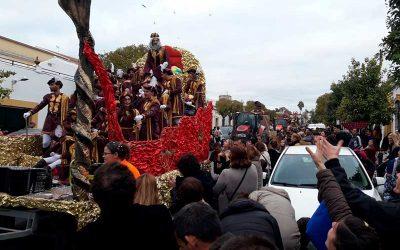 El Centro Ocupacional de Cristo Roto aprovecha la Cabalgata de Reyes de Gibraleón para mostrar sus valores de amor, ilusión y respeto