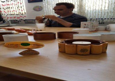 trabajo taller de reciclaje creativo centro ocupacional El Cristo Roto